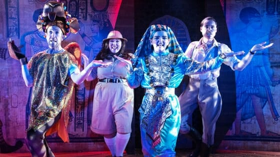 Review King Tut a Pyramid Panto