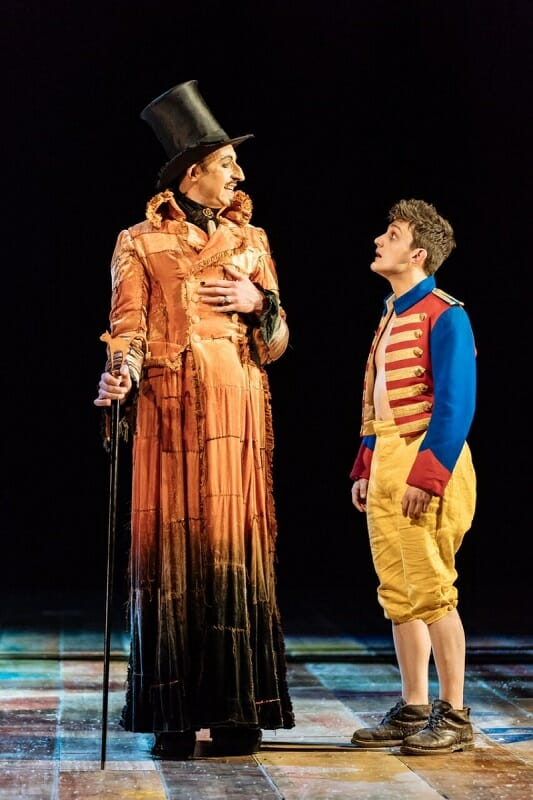 David Langham as The Fox, Joe Idris Roberts as Pinocchio in Pinocchio. Image Manuel Harlan_preview