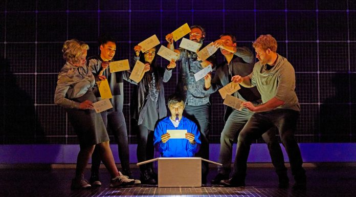 Curious Incident 2017-18 international touring cast. c. Brinkhoff Mögenburg