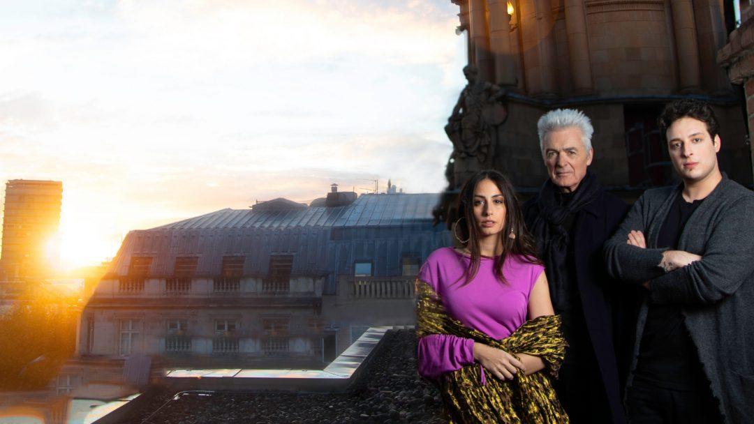 Cast of Notre Dame de Paris on the London Coliseum Roof. L R Hiba Tawaji Esmerelda Daniel Lavoie Frollo and Angelo Del Vecchio Quasimodo. Photo Credit Piers Foley