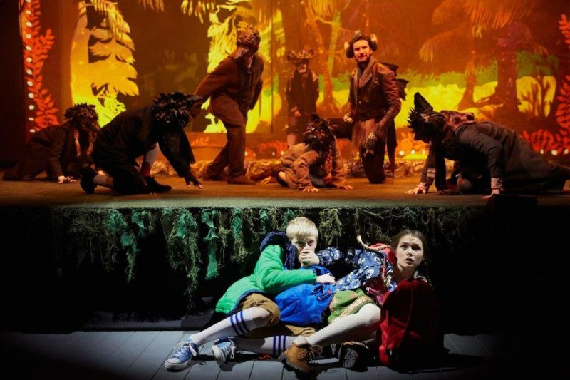 Oliver Smith Hansel and Slyvie Varcoe Gretel Photo by Mark Douet