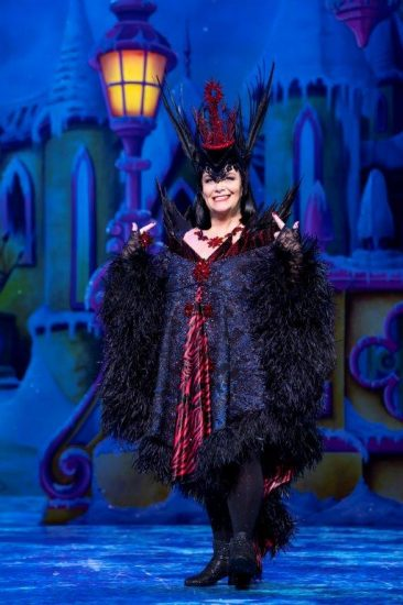 Snow White at The London Palladium Dawn French as Queen Dragonella Photo Paul Coltas