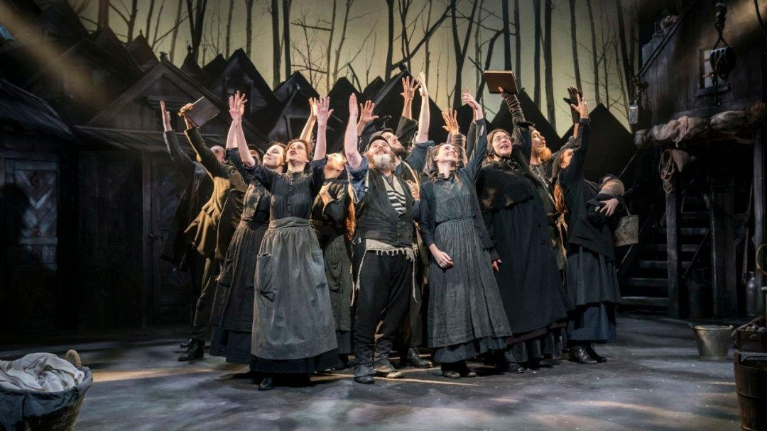Fiddler on the Roof Playhouse Theatre Review credit Johan Persson