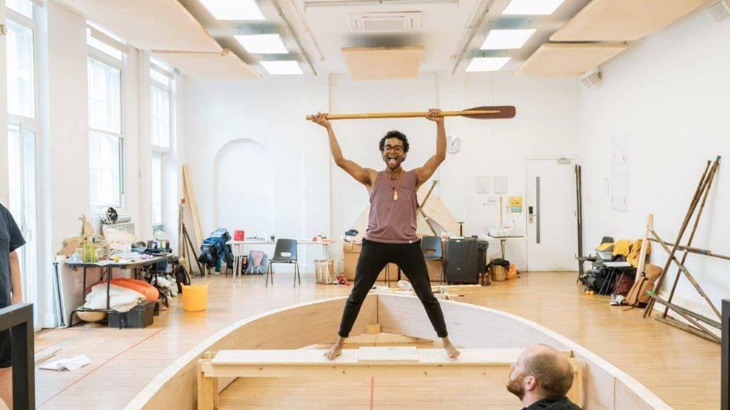 Hiran Abeysekera Pi in rehearsals Photo by Manuel Harlan.