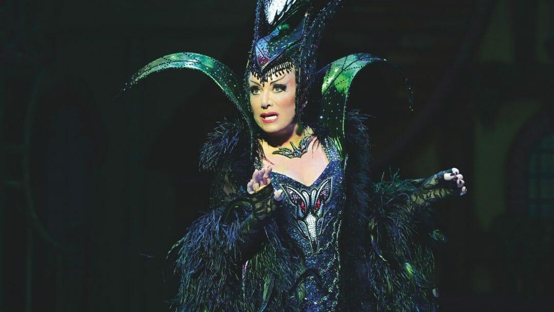 Elaine Paige as Queen Rat Dick Whittington Credit Paul Coltas